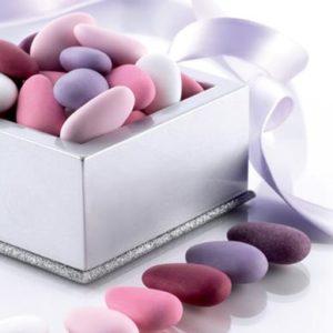 mandorla-intera-pelata-sfumati-rosa